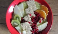 Smoothie bowl z sezamkami