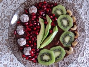 Smoothie bowl z melonem i awokado